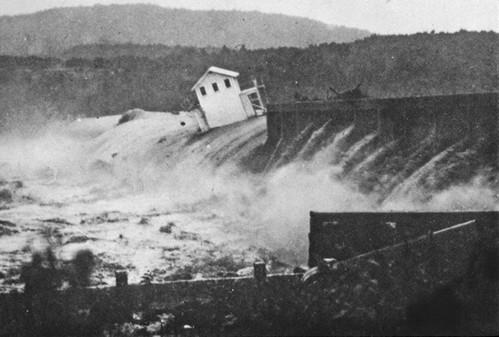 Austin Dam 1935  flood house